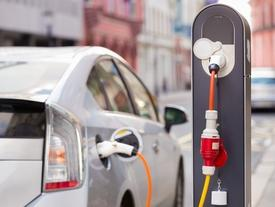 Americans Still Show Little Enthusiasm For Hybrid Cars